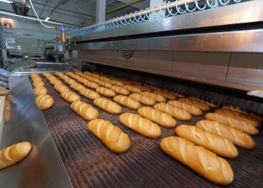 Зростання цін на цукор знищує переробні галузі промисловості